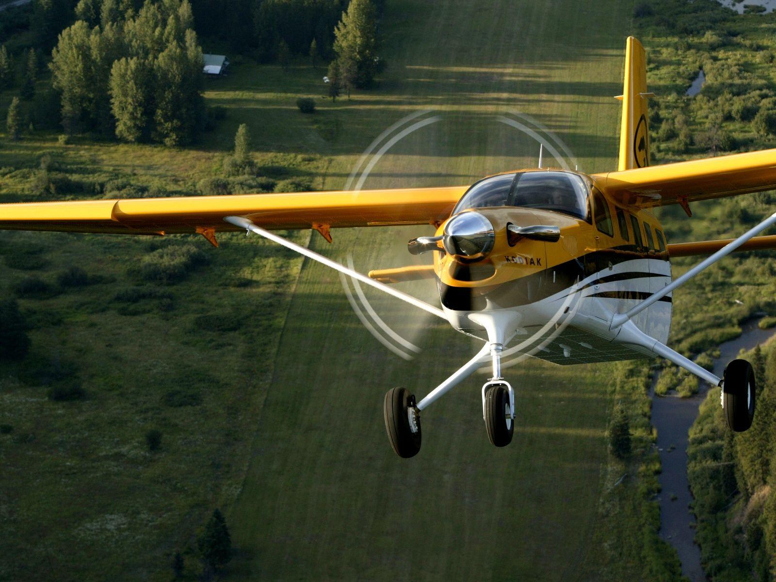 唯一的变化是:早前的作业飞机由轻型运动飞机